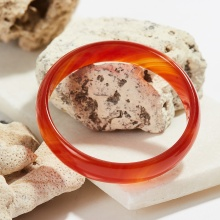 Vòng tay đá mã não đỏ bản mỏng dày 12mm Ni 65 mệnh hỏa thổ - Ngọc Quý Gemstones