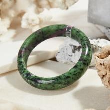 Vòng tay đá ruby zoisite thiên nhiên bản hẹ Ni 55 - Ngọc Quý Gemstones