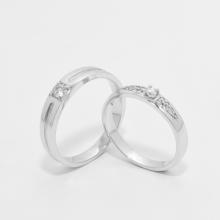 Cặp nhẫn đôi vàng trắng DOJI cao cấp 14K đính đá Swarovski 1546