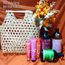 Set quà tặng bịt mắt bắt dê(Organic Moisture Rich Body Lotion, Massage Oil, Paw Paw Balm, Hair Body Wash...m
