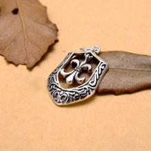 Charm treo hình tấm khiên - Ngọc Quý Gemstones