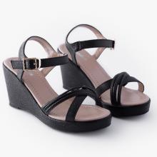 Sandal nữ Thương hiệu Bata Da tổng hợp màu Đen - 761-6900