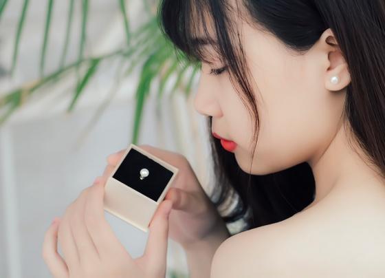 Bông tai bạc ngọc trai Exyna Love - Eropi Jewelry