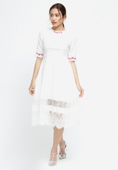 Đầm midi Amun tay lửng màu trắng đính hoa DX162-TRANG