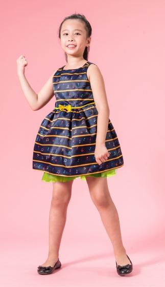 UN27 - Đầm xòe bé gái
