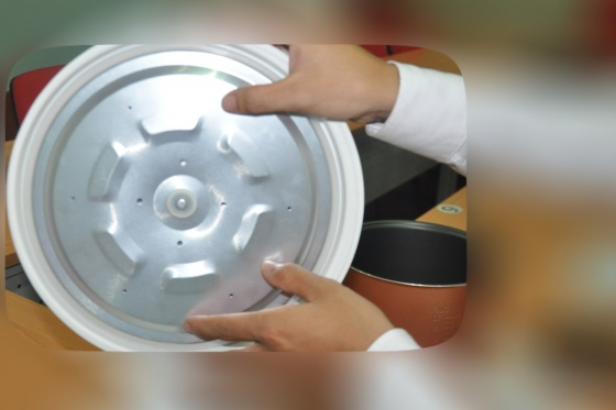 Nồi cơm điện OSAKA RC318G 1,8 lít (công nghệ nấu cơm 3D)
