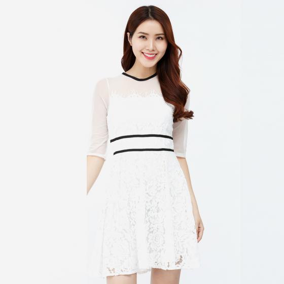 Đầm ren xòe Amun tay lửng màu trắng DX185-TRANG