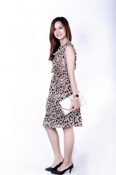 Đầm xòe trẻ trung cổ lọ HK 555 - Hoàng Khanh