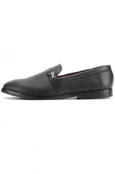 Giày nam Huy Hoàng đính móc khóa màu đen HV7734