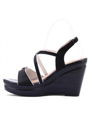 Giày nữ Huy Hoàng màu đen HV7066