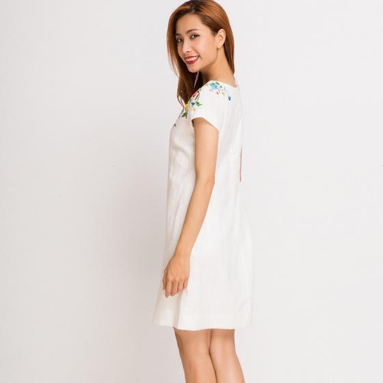 Đầm linen thêu hoa Hity DRE005 (trắng blanc)