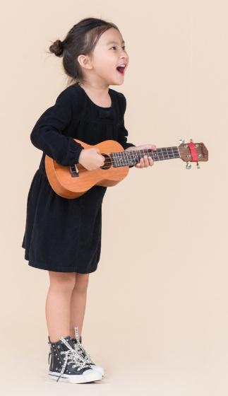 UN37- đầm bé gái (đen)