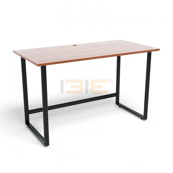 Bộ bàn Rec-F đen màu cánh gián gỗ cao su và ghế Eames chân gỗ trắng