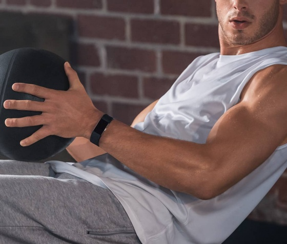 Vòng đeo tay theo dõi sức khỏe FITBIT CHARGE 2 BLACK SILVER LARGE/SMALL