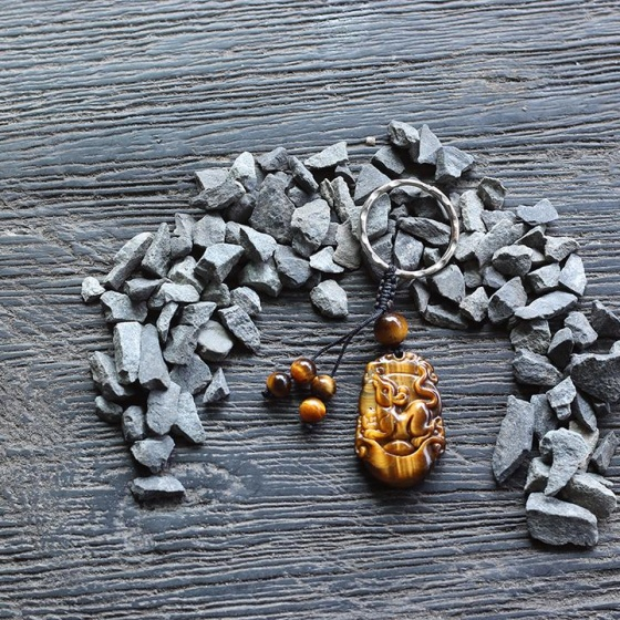 Móc khóa 12 con giáp đá mắt hổ - tuổi Tý - Ngọc Quý Gemstones
