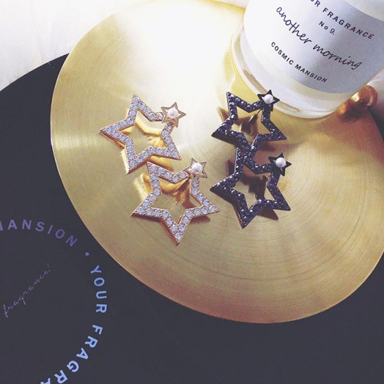 Bông tai Korean twinkle hebe - Tatiana - BH2581 (Đen)