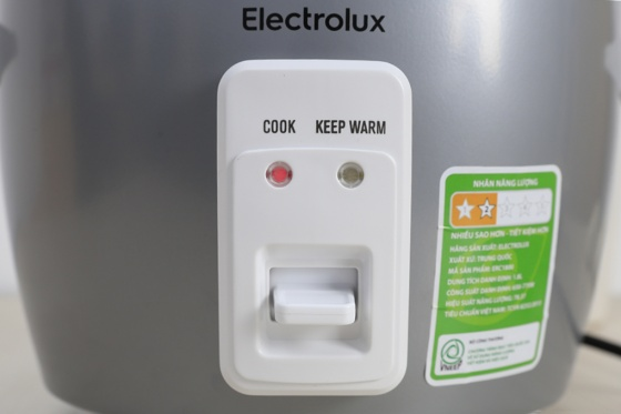 Nồi cơm điện Electrolux ERC1800