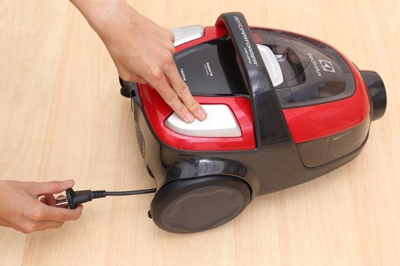 Hút bụi Electrolux ZAP9940