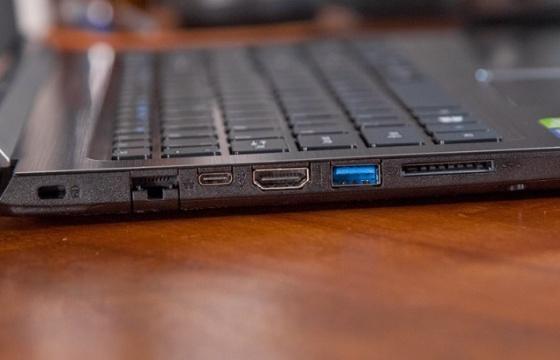 Máy tính xách tay Acer Aspire A515-51-39L4
