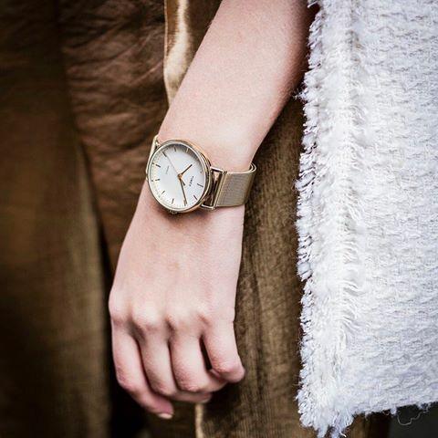 Đồng hồ nữ Timex The Fairfield 37 - TW2R26500