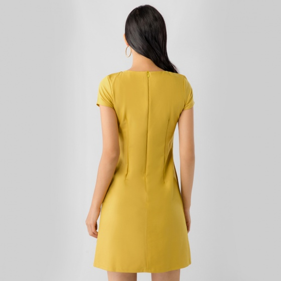 Đầm suông công sở Eden phối màu D316 (vàng)