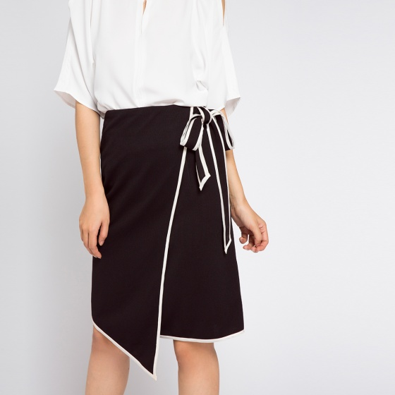 Váy viền tương phản Hity SKI025 (đen huyền bí)