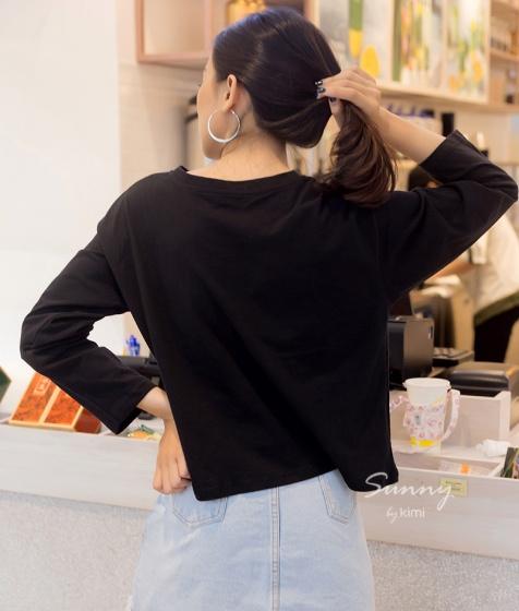 Áo thun tay dài in họa tiết cô gái - AT180015
