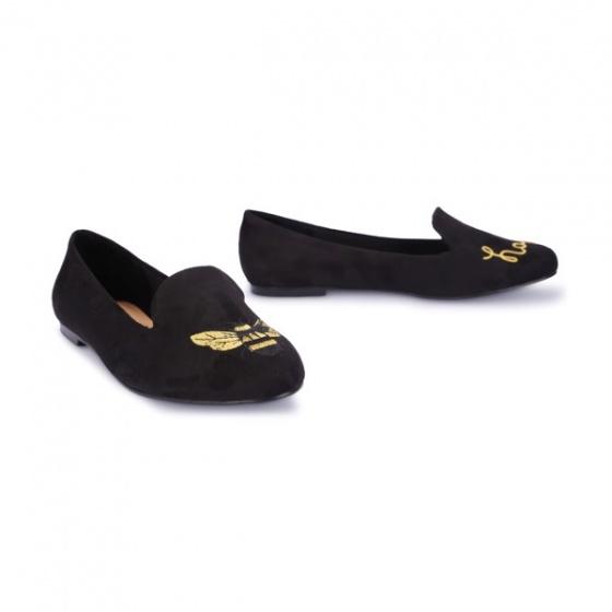 Giày mũi tròn thêu S10016- đen