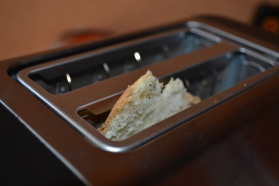 Máy nướng bánh mỳ Philips HD4825 (Bạc) - hãng phân phối chính thức