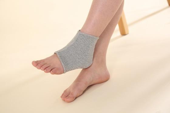Phụ kiện bảo vệ cổ chân hồng ngoại xa cao cấp Qsupport (Ankle Support) size L