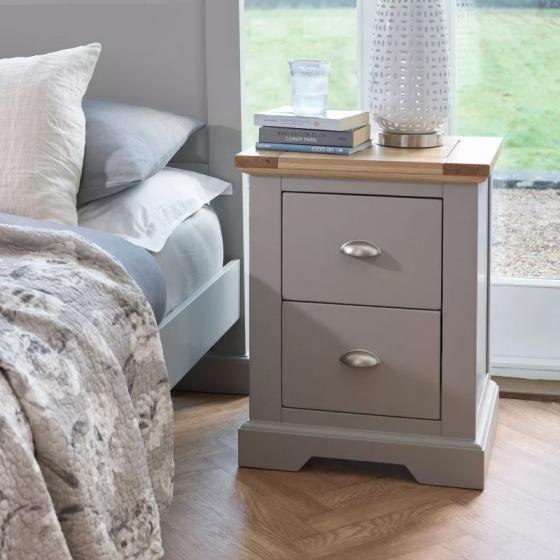 Tủ đầu giường 2 ngăn kéo St.Ives gỗ sồi