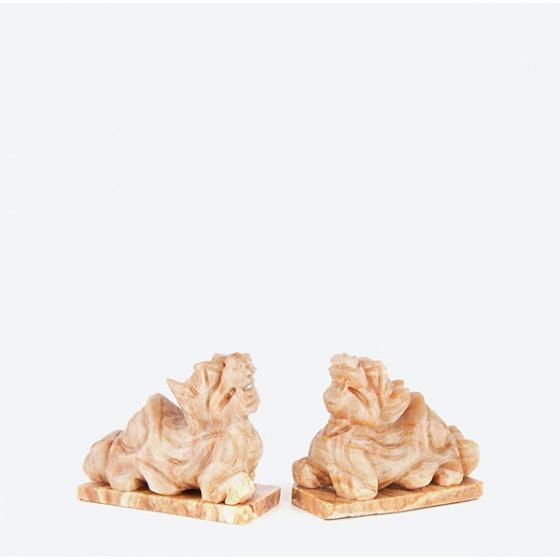Cặp tỳ hưu gỗ hóa thạch