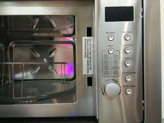 Lò vi sóng có nướng âm tủ Grasso GS MOV D25I8