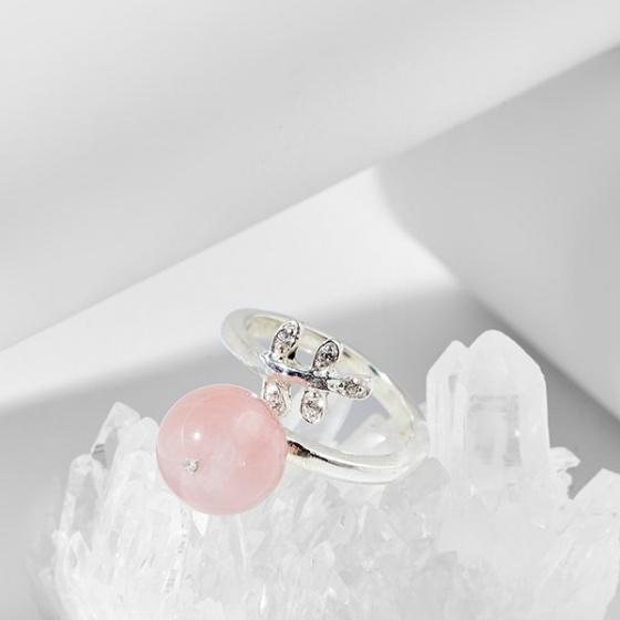 Nhẫn chiếc lá đá thạch anh hồng