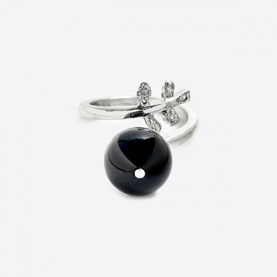 Nhẫn chiếc lá đá thiên thạch đen