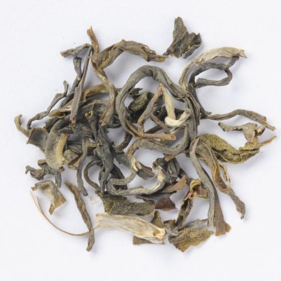 Hộp quà tết trà tâm giao 4 gồm trà sen, ô long, cổ thụ, nõn tôm