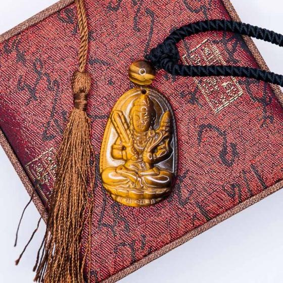 Mặt dây chuyền Hư Không Tạng Bồ Tát mắt hổ vàng tự nhiên - Phật bản mệnh cho người tuổi Sửu, Dần - PBMYTE02