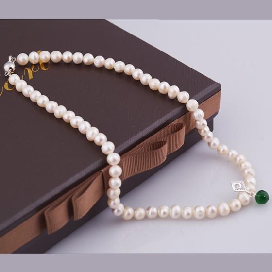 Opal - Vòng cổ ngọc trai mặt bạc đính đá xanh _T01