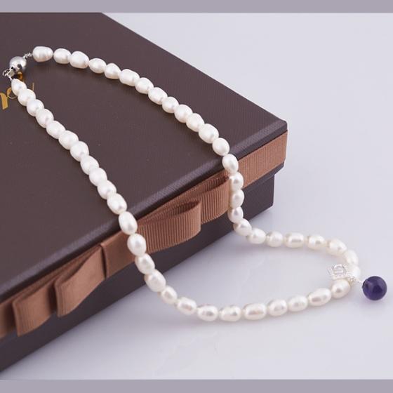 Opal - Vòng cổ ngọc trai oval trắng đính đá đen_T01