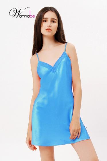 Đầm ngủ phi lụa Wannabe DN588 thoải mái, trẻ trung, đáng yêu chăm sóc giấc ngủ (Xanh Yamaha)