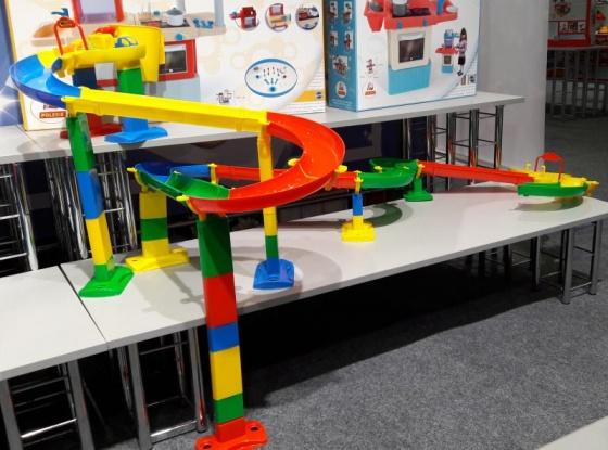 Bộ mô hình đồ chơi đường đua cho bi và xe ô tô Số 2 Wader Quality Toys