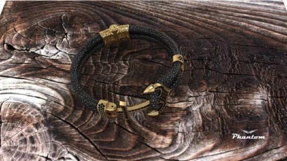 Vòng đeo tay da cá đuối Charm mỏ neo - màu vàng