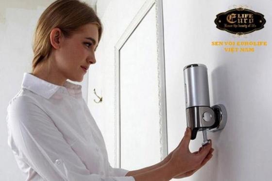 Bình xịt nước rửa tay treo tường Eurolife EL-X21( đen )