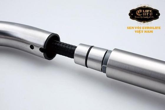 Vòi rửa chén dây kéo 2 chế độ xả Inox SUS 304 Eurolife EL-T10-1 (Trắng vàng)