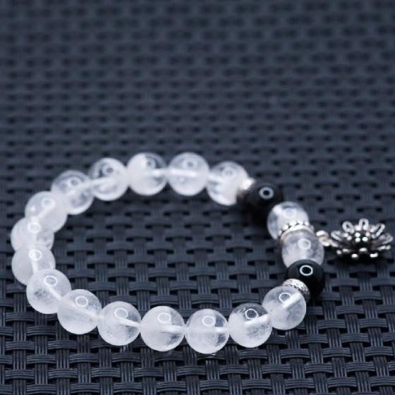 Vòng tay thạch anh ưu linh trắng 8mm mix charm bạc Thái BRGC08M06 - VietGemstones