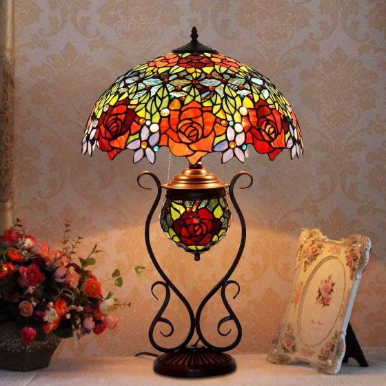 Đèn bàn Tiffany luxury hoa hồng