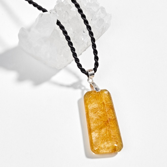 Mặt dây chuyền phong thủy đá thạch anh tóc vàng Ngọc Quý Gemstones