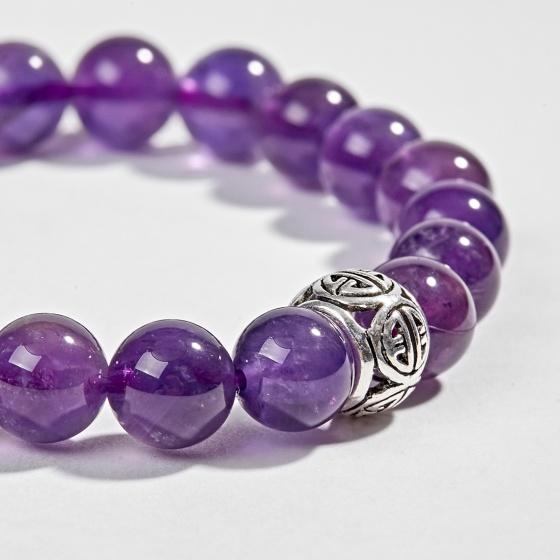 Vòng tay phong thủy đá thạch anh tím phối charm bạc (8mm) Ngọc Quý Gemstones