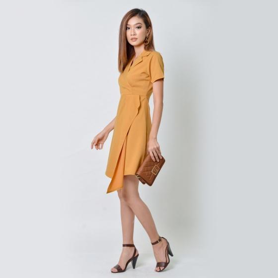 Đầm thời trang Eden cổ vest màu vàng - D356