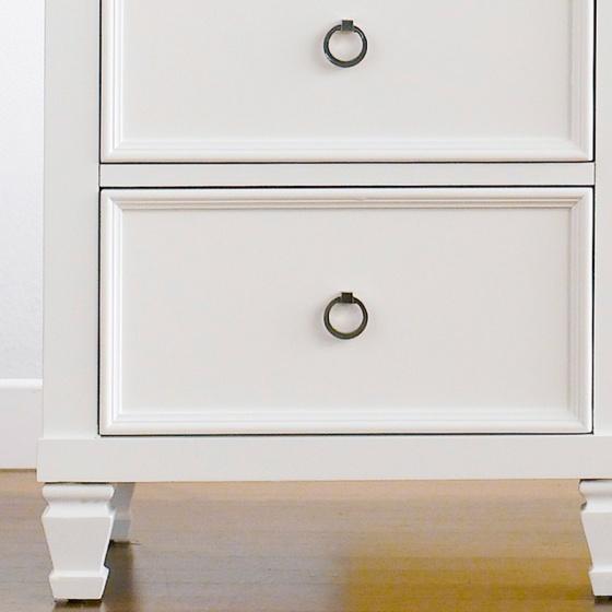 Tủ đầu giường 2 ngăn kéo Tamarack nhiều màu